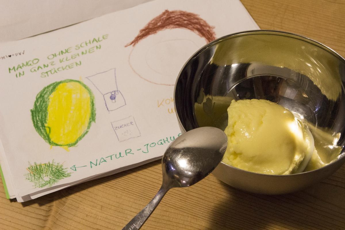Das Mango-Kokos-Eis mit dem Rezept aus Nino's Buch