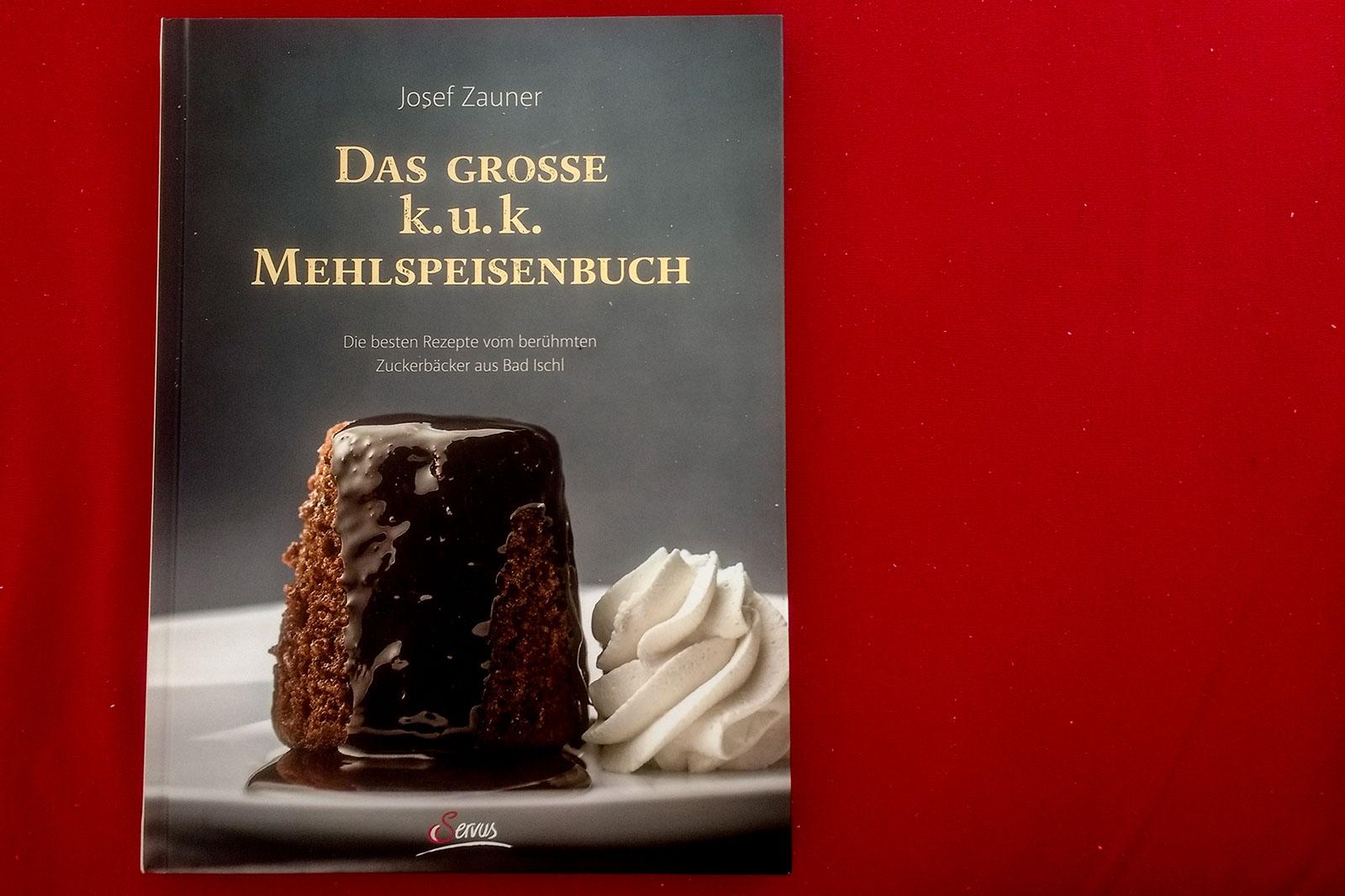 """Das Titelbild vom """"Das große k.u.k. Mehlspeisenbuch"""""""