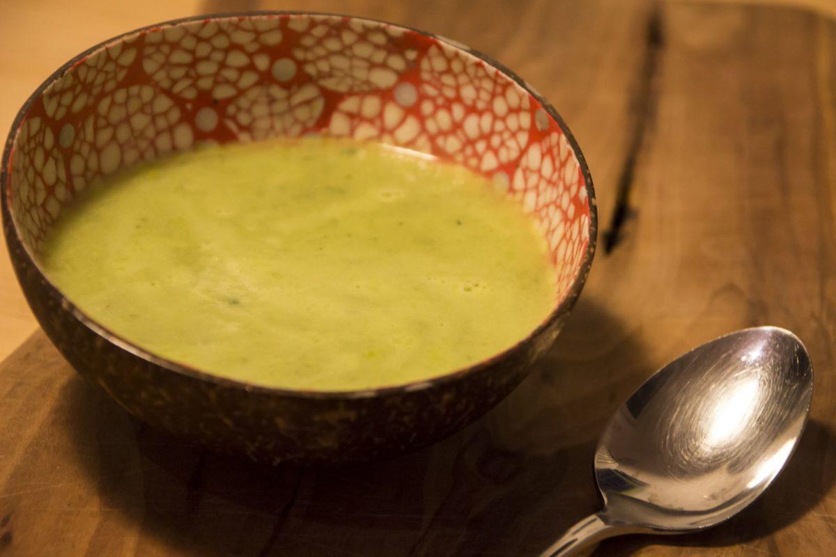 Schnelle Zucchini-Knoblauch Suppe