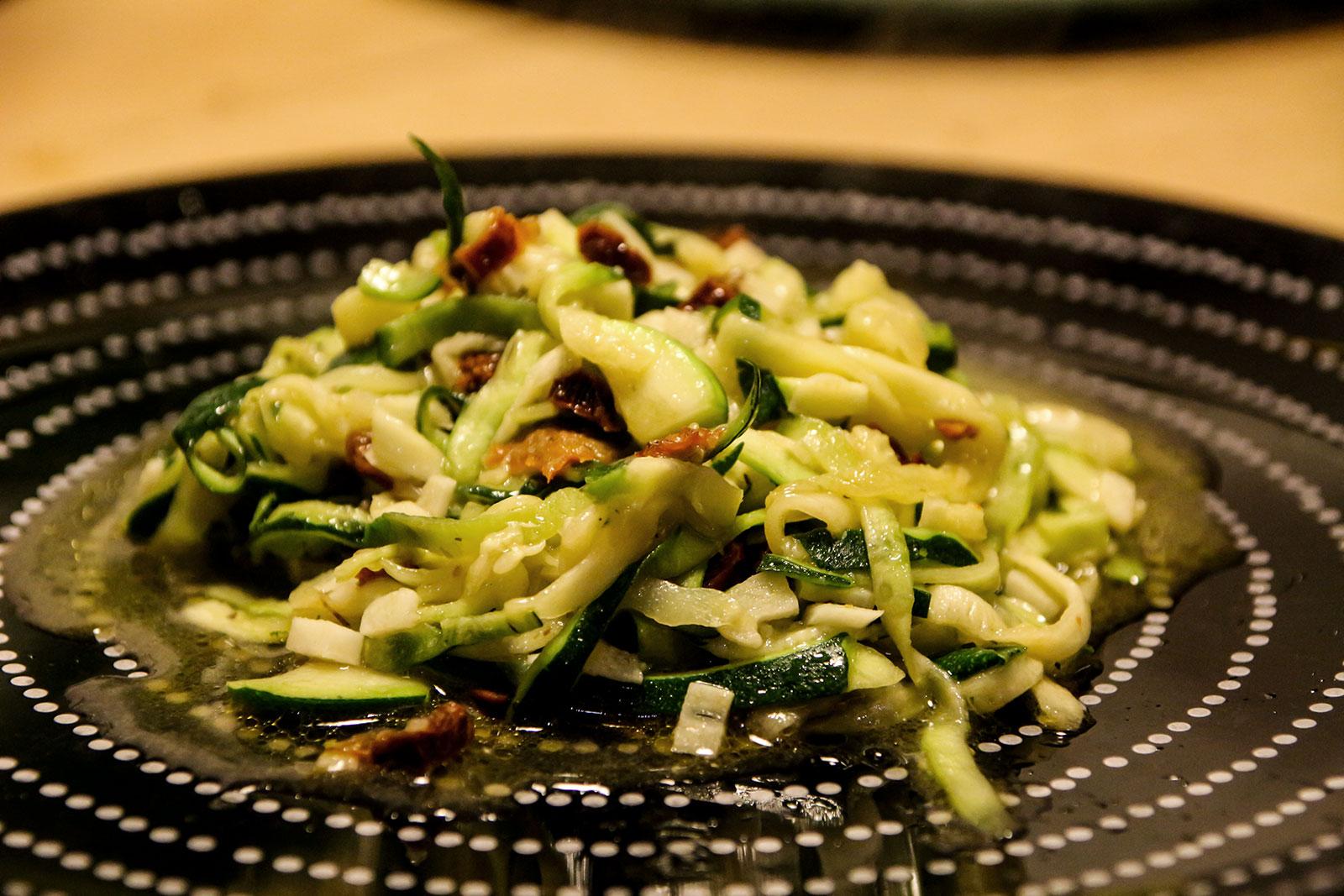 Zucchinispaghetti alio e olio